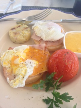 Breakfast- Eggs Benedict!