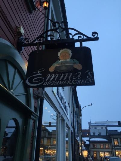 Emmas Drømmekjøkken og Emmas UNDER