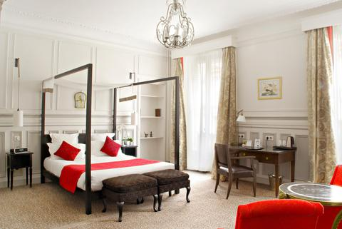 2241284-Hotel-Bradford-Elysees-Astotel-Guest-Room-5-DEF-1